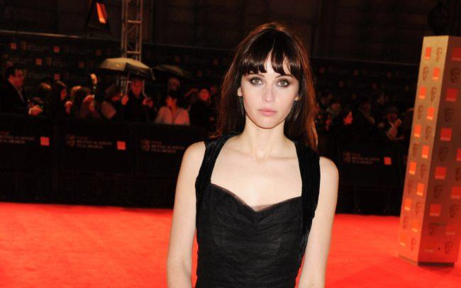"""Felicity Jones vai contracenar com Tom Hanks em """"Inferno"""", novo filme baseado em livro de Dan Brown"""