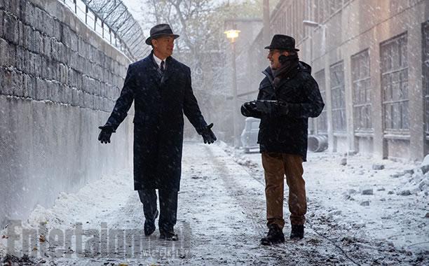Divulgada a primeira imagem do novo filme de Steven Spielberg e Tom Hanks
