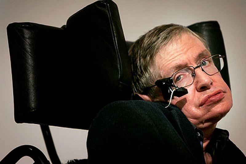 Stephen Hawking quer ser vilão de filmes do 007
