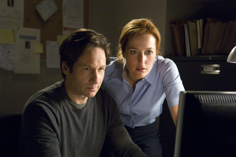 """David Duchovny afirma que está pronto para voltar ao papel de Mulder no renascimento de """"Arquivo X"""""""