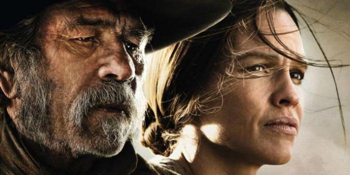 Filme dirigido por Tommy Lee Jones estreia no Brasil no dia 5 de fevereiro