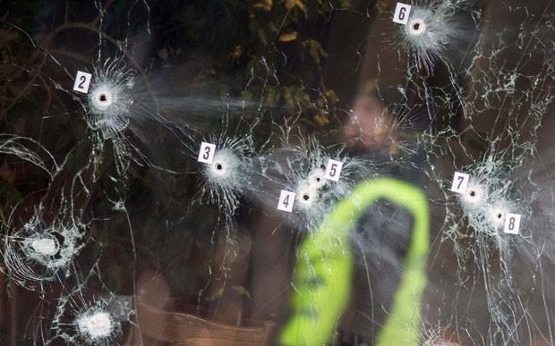 Tiroteio em centro cultural mata cineasta na Dinamarca