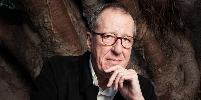 Geoffrey Rush será dirigido por Stanley Tucci em filme sobre artista plástico da Suíça