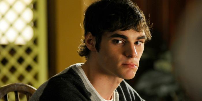 Ator de 'Breaking Bad' com paralisia cerebral pede fim de estigma