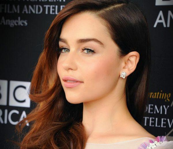 Emilia Clarke confirma participação no filme de Han Solo