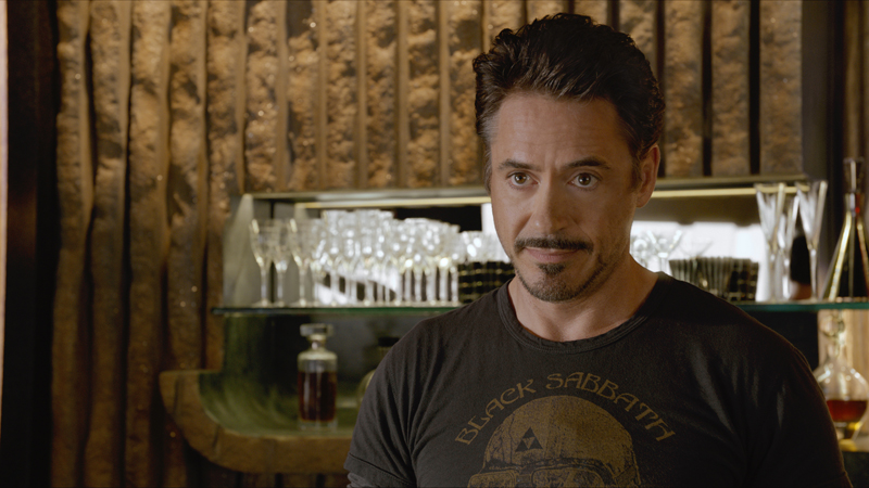 """Robert Downey Jr. abandona entrevista durante divulgação de """"Vingadores"""""""