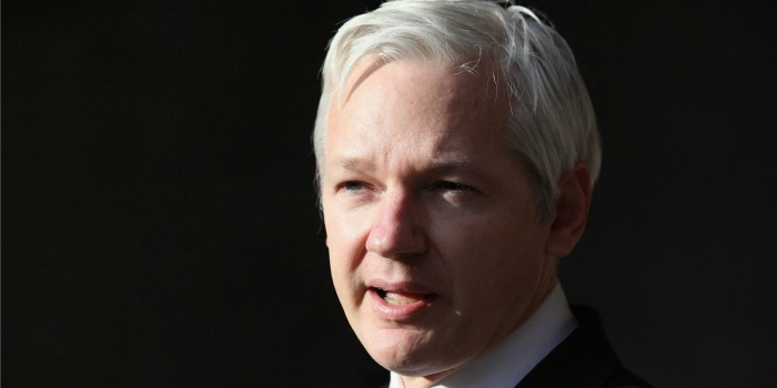 Diretora de 'CitizenFour' prepara filme sobre Julian Assange