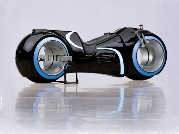 """Réplica da moto de """"Tron"""" é vendida por US$77 mil"""