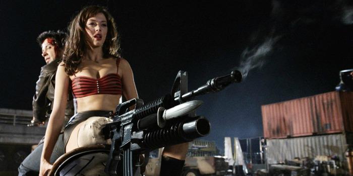 Rose McGowan é demitida pelo agente por reclamar de sexismo numa produção de Adam Sandler