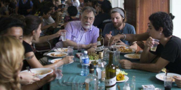 Coppola cozinha para alunos cubanos e diz que país é ótimo cenário de filme