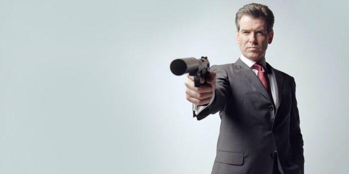 Pierce Brosnan diz que chegou a hora de um James Bond negro ou gay
