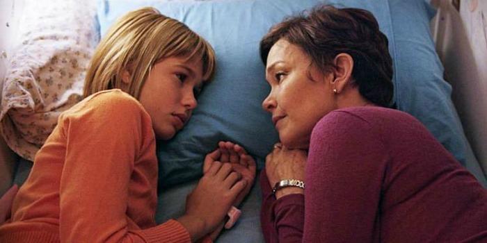 'Pequeno Segredo': clichê, previsível e piegas, não é sequer um bom filme