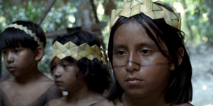 'Antes o Tempo Não Acabava': retrato de índio urbano cativa e surpreende