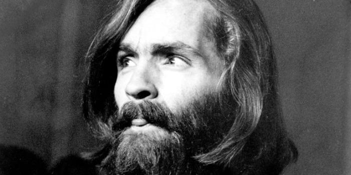 Trajetória de Charles Manson será retratada em filme por novo estúdio de Hollywood