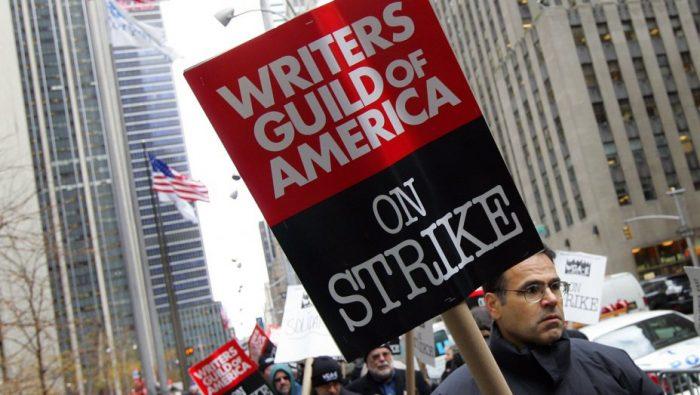 Sindicato de Roteiristas dos EUA ameaça entrar em greve