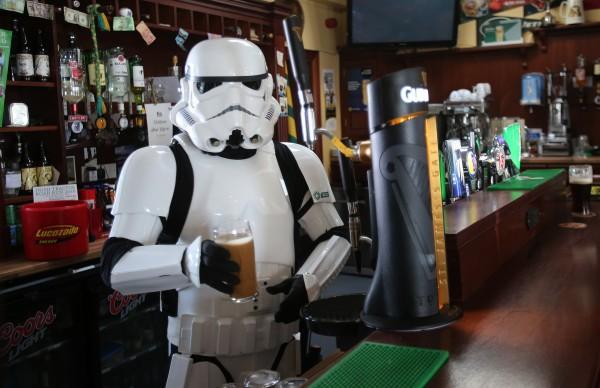 Bar temático de Los Angeles vira novo point para fãs de ficção científica
