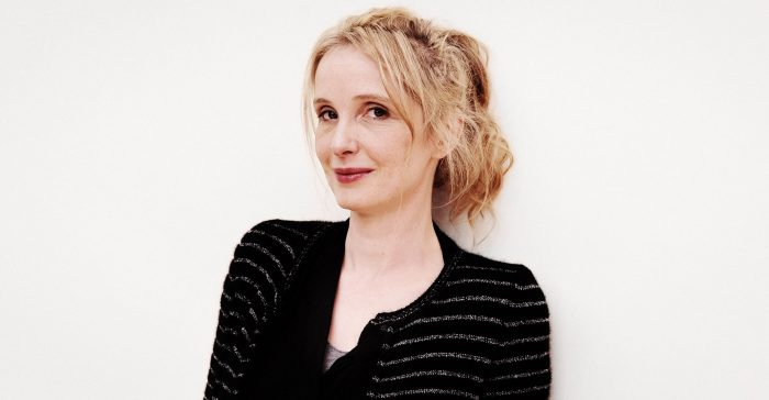 Julie Delpy será protagonista de épico de guerra 'Girls of the Sun'