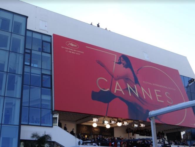 Cannes importará areia para ampliar praia durante festival de cinema de 2018