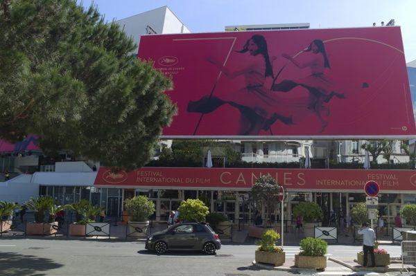 Vasos de plantas se torna tática para evitar terrorismo em Cannes