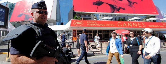 Palácio dos Festivais em Cannes é evacuado por pacote suspeito