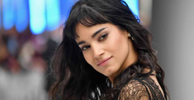 Sofia Boutella entra para o elenco do remake de 'Fahrenheit 451'
