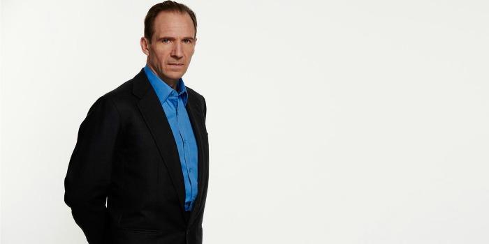 Ralph Fiennes se junta a Keira Knightley em suspense de espionagem