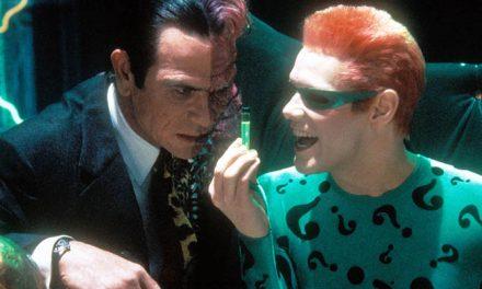 Jim Carrey revela difícil relação com Tommy Lee Jones em 'Batman Eternamente'