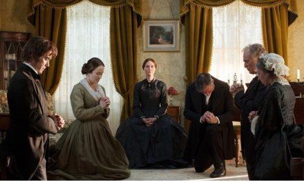 'Além das Palavras': cinebiografia de Emily Dickinson fica aquém do esperado