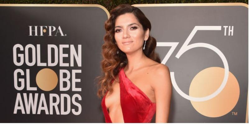 Atriz rebate críticas após vestir vermelho e 'furar' protesto no Globo de Ouro