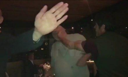 Vídeo flagra Harvey Weinstein levando dois tapas no rosto em restaurante
