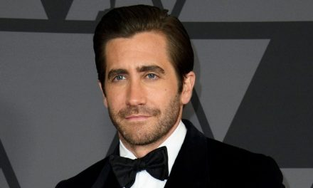 Jake Gyllenhaal será o maestro Leonard Bernstein em 'The American'