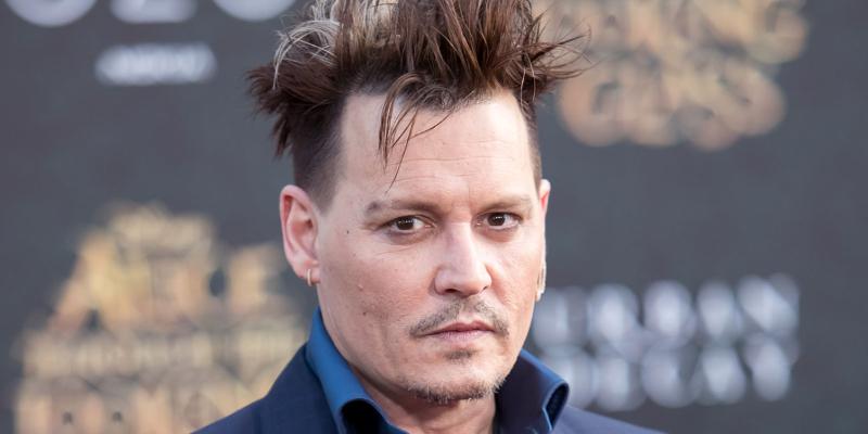 Advogados de Johnny Depp desistem de defender o ator em ação contra ex-agentes