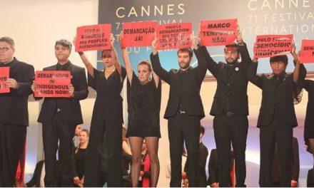 Em Cannes, equipe de 'Chuva e cantoria na aldeia dos mortos' pede fim do genocídio indígena no Brasil