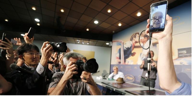 Ausente de Cannes, Godard fala sobre Catalunha e cinema pelo celular