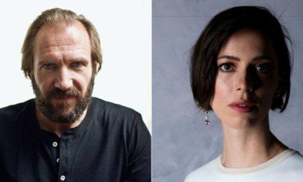 Ralph Fiennes e Rebecca Hall serão protagonistas de 'The Forgiven'
