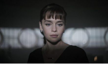"""Ron Howard salvou 'Han Solo: Uma História Star Wars""', diz Emilia Clarke"