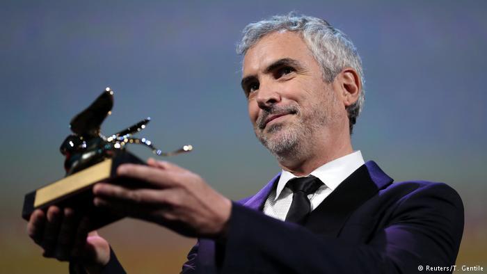 """""""'Roma' fala sobre pessoas invisíveis"""", diz Alfonso Cuáron após vencer Veneza"""