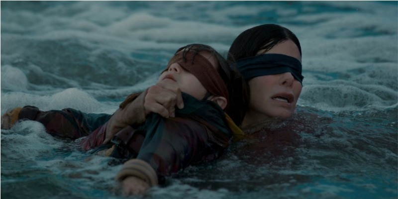 'Bird Box': Sandra Bullock sobrevive a terror irregular da Netflix