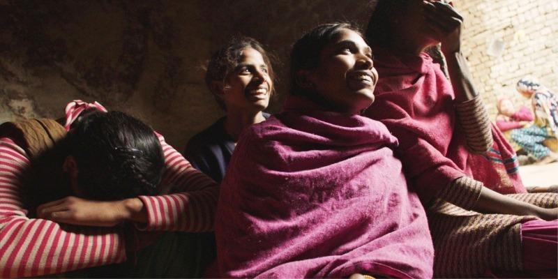 'Absorvendo o tabu': tema essencial à saúde da mulher patina em narrativa superficial