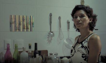 'A Goteira': show de Isabela Catão em filme de altos e baixos