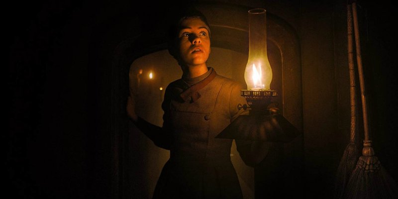 'Maria e João – O Conto das Bruxas': terror inova sem esquecer do clássico
