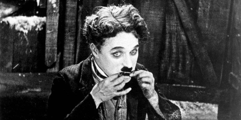 'Em Busca do Ouro': equilíbrio preciso entre humor pastelão e melancolia