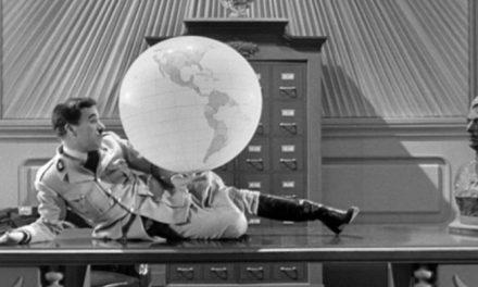 'O Grande Ditador': síntese de regimes totalitários traz Chaplin versátil