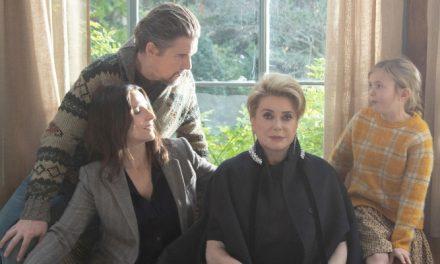 'A Verdade': roteiro sem foco prejudica encontro de divas francesas