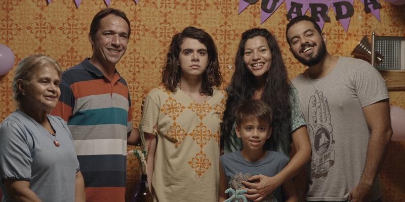 'Transviar': trama inchada prejudica foco de série amazonense