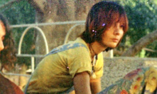 'Extratos': a melancolia de uma fuga pela existência