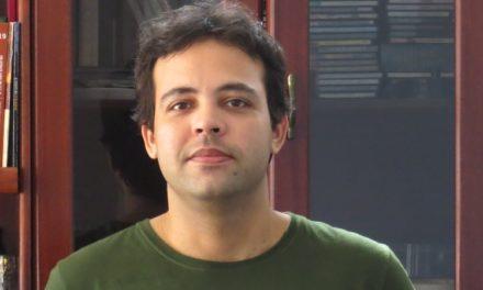 Ricardo Manjaro desenvolve roteiro de primeiro longa em parceria com Henrique Amud e Álex Jansen