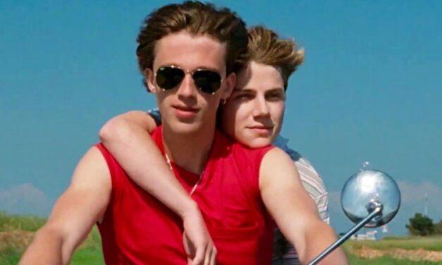 'Verão de 85': agridoce romance gay cai em velhas armadilhas do gênero