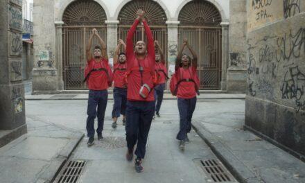 'Fantasma Neon': musical dos trabalhadores invisíveis do Brasil